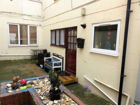 1 Bedroom Property for sale in Gloucester Mews, Weymouth, Dorset