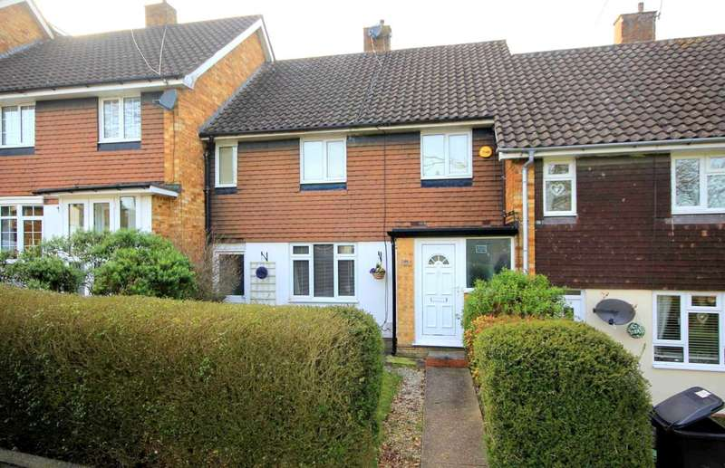 3 Bedrooms House for sale in OVER 1127 SQ FT OVERLOOKING A GREEN IN Spring Lane, HP1