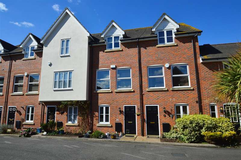 4 Bedrooms Terraced House for sale in Oldfield Drive, Wouldham