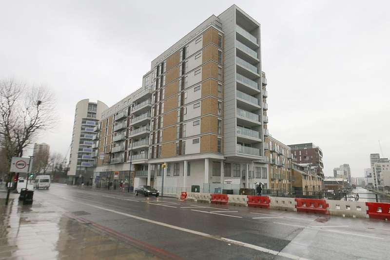 2 Bedrooms Apartment Flat for sale in Harley House, 11 Frances Wharf, London, London, E14 7FP