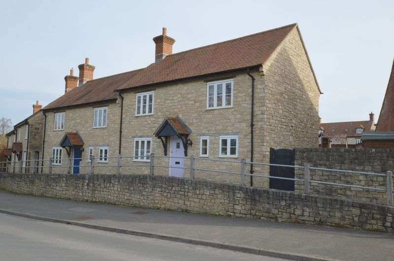 3 Bedrooms Property for sale in Clements Lane, Mere