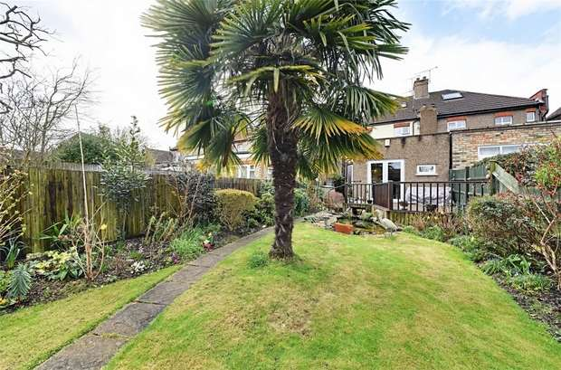 3 Bedrooms Semi Detached House for sale in Elmhurst Avenue, East Finchley, N2