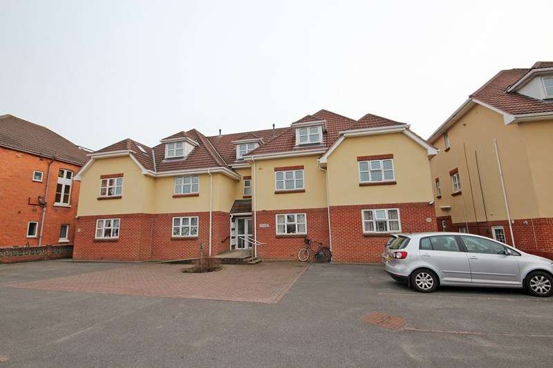 2 Bedrooms Flat for sale in Parkwood Road, Southbourne, Bournemouth