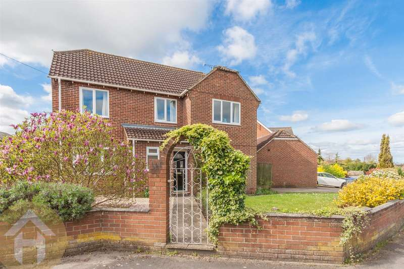 5 Bedrooms Detached House for sale in Whitehill Lane, Royal Wootton Bassett
