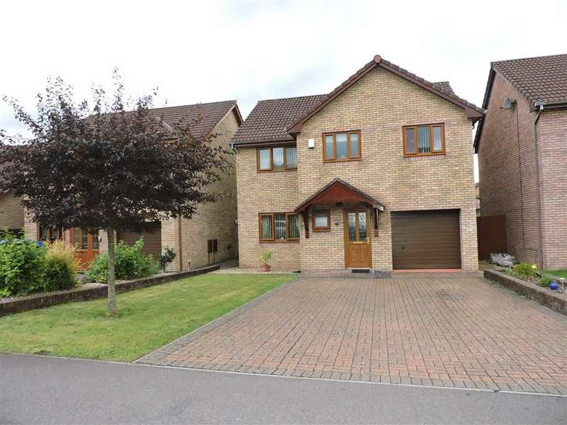 4 Bedrooms Detached House for sale in Oakwood Drive, Clydach