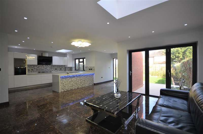 6 Bedrooms Semi Detached House for sale in Blenheim Gardens, Wembley, Middlesex, HA9 7NP