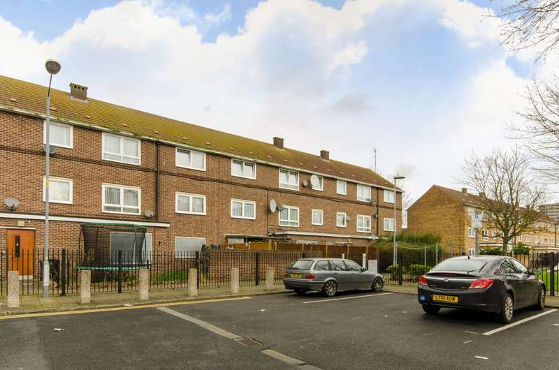 2 Bedrooms Flat for sale in The Clarksons, Boundary Road, Barking, IG11