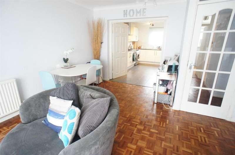 2 Bedrooms Flat for sale in Hungerdown, London