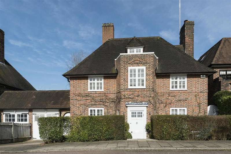 4 Bedrooms Detached House for sale in Cotman Close, NW11
