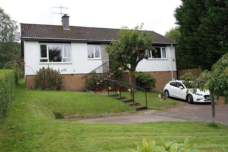 3 Bedrooms Detached Bungalow for sale in Glengilp Road, Ardrishaig PA30