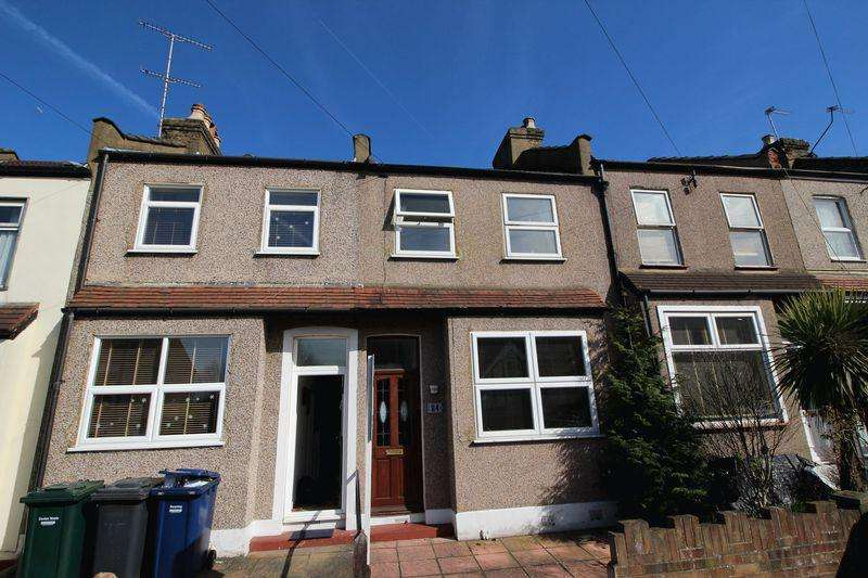 3 Bedrooms Terraced House for sale in Brunswick Crescent, New Southgate