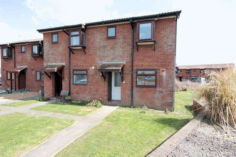 2 Bedrooms End Of Terrace House for sale in Astley Court, Kinmel Bay