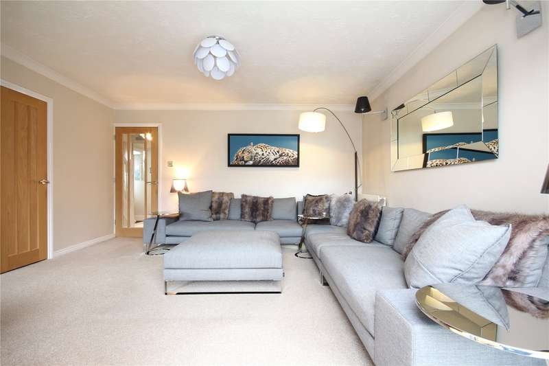4 Bedrooms Property for sale in Bromley Heath Road Bromley Heath Downend BS16