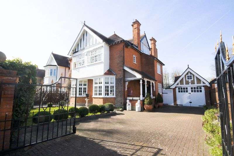 6 Bedrooms Property for sale in Royston Park Road Hatch End, Pinner