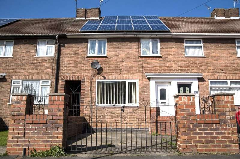 3 Bedrooms Terraced House for sale in Chapelfields Road, York, YO26