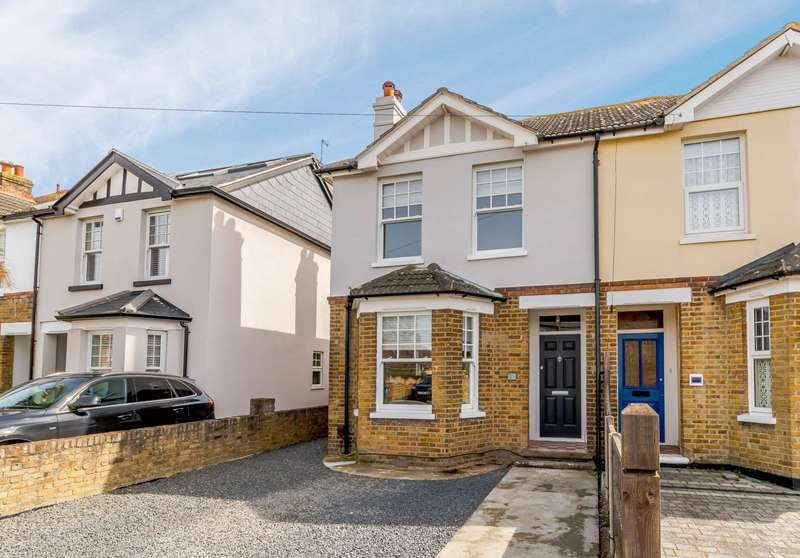 3 Bedrooms Semi Detached House for rent in Shepperton