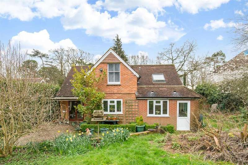 3 Bedrooms Detached House for sale in Burwash Weald