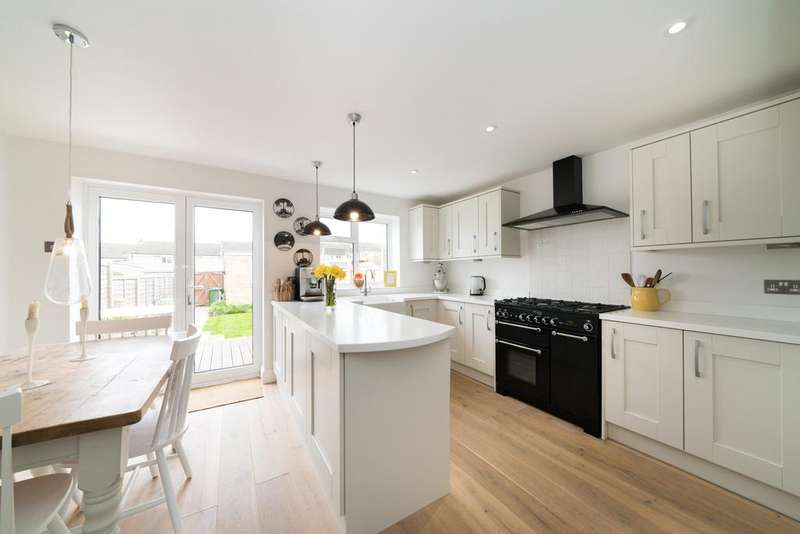 3 Bedrooms Terraced House for sale in Normandy Drive, Berkhamsted HP4