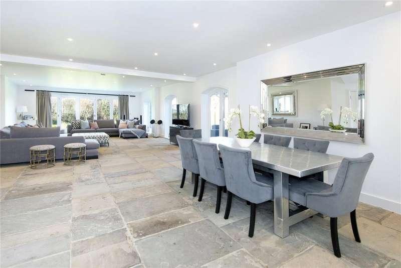 4 Bedrooms Terraced House for sale in Bluebell Farm, Church Street, Seal, Sevenoaks, TN15