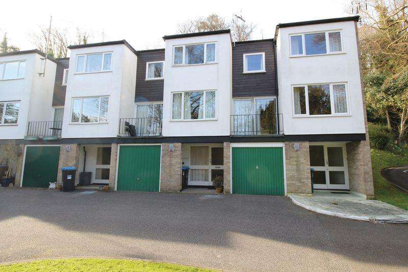 3 Bedrooms House for sale in CHURCH HILL, CATERHAM
