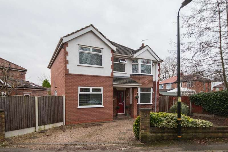 4 Bedrooms Detached House for sale in Riverside Drive, Flixton, Manchester, M41