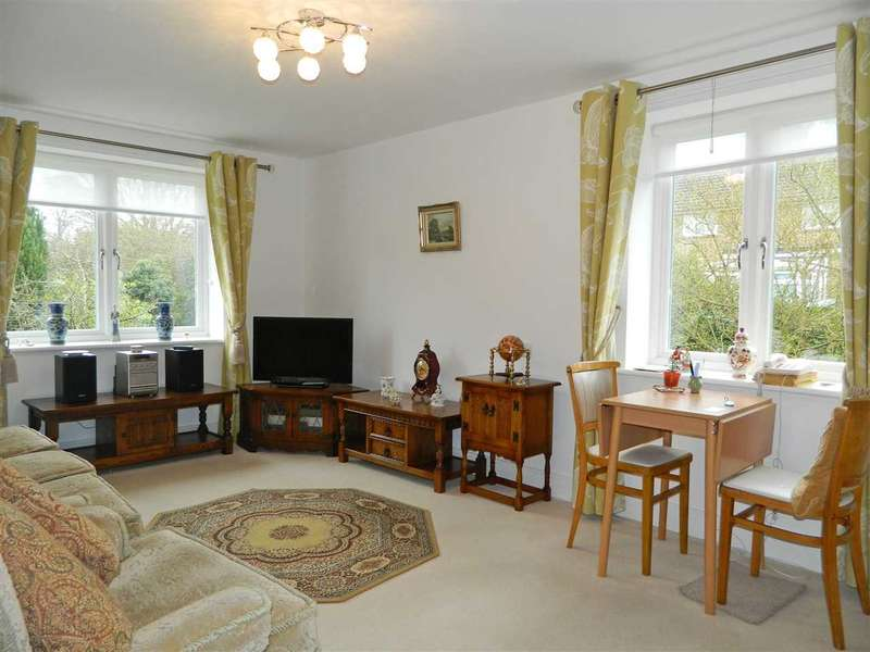 1 Bedroom Retirement Property for sale in Morgan Court, Station Road, Petworth