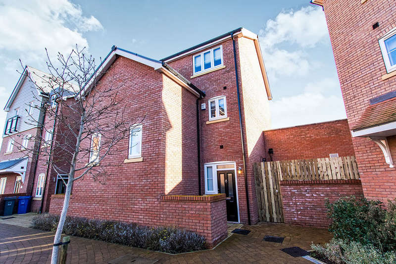 2 Bedrooms Flat for rent in The Quays, Burton Waters, Lincoln, LN1