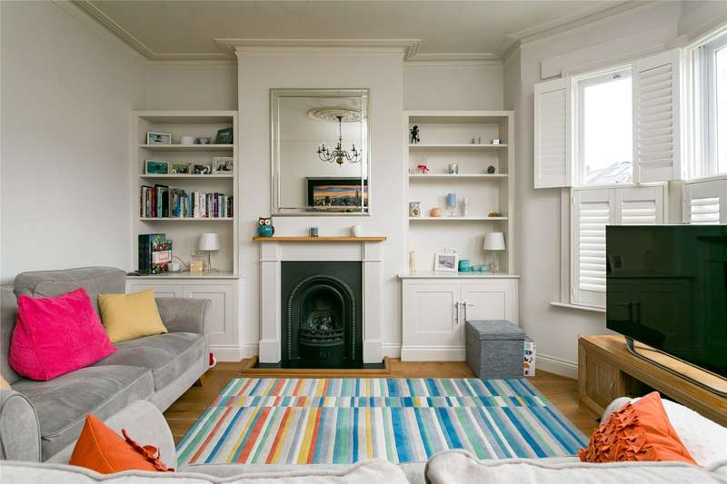 4 Bedrooms Flat for sale in Stormont Road, London, SW11