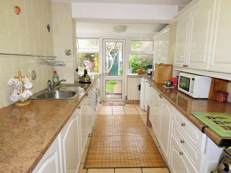 4 Bedrooms Semi Detached House for sale in Allesley Road, Olton, Solihull