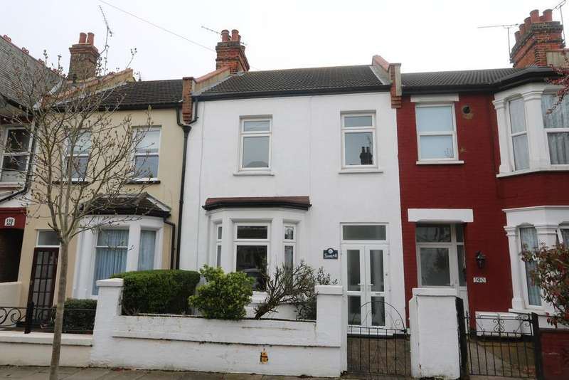 3 Bedrooms Terraced House for sale in Westcliff Park Drive, Westcliff-On-Sea SS0