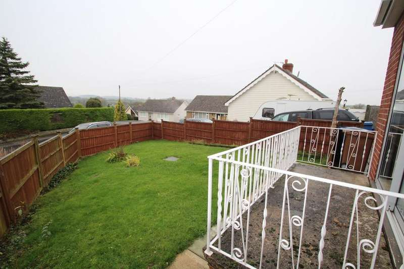 3 Bedrooms Detached Bungalow for sale in Browns Close, Hitcham, Ipswich, IP7