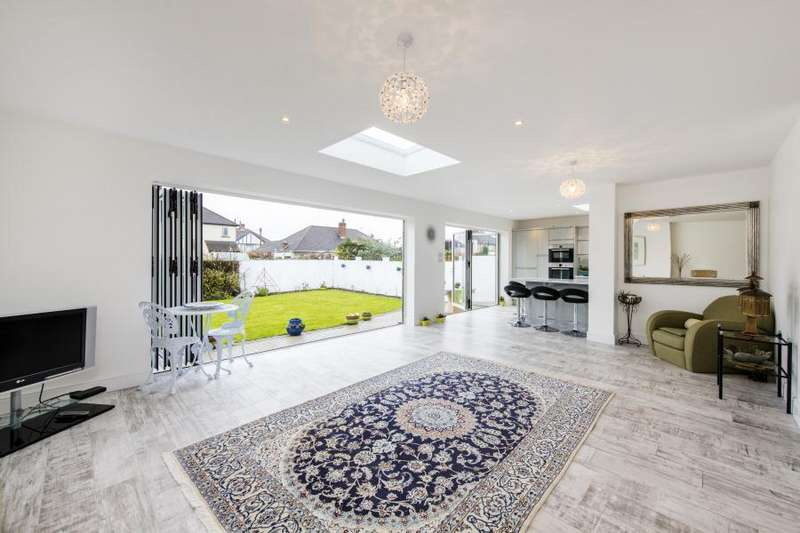 4 Bedrooms House for sale in Glasbrook Avenue, Twickenhan, TW2