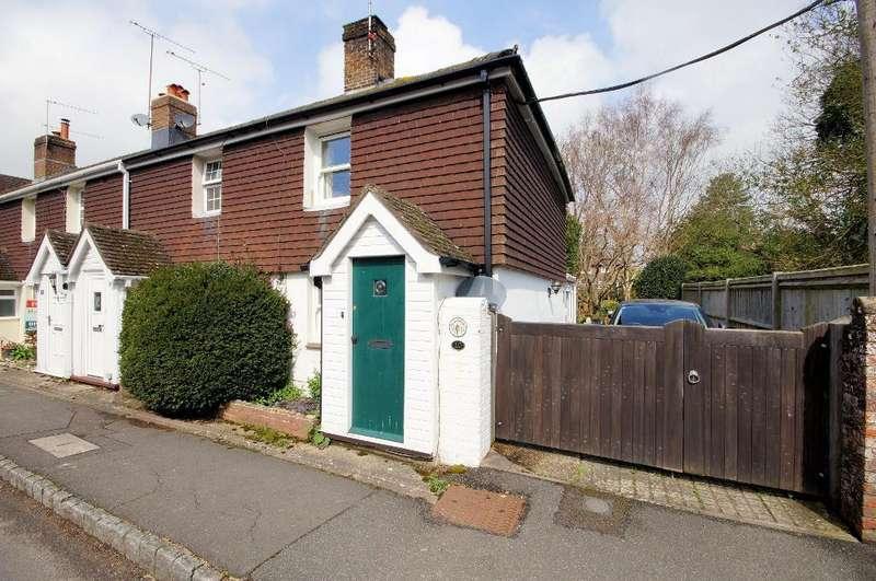 2 Bedrooms End Of Terrace House for sale in Gatewycke Terrace, Steyning, BN44 3RL