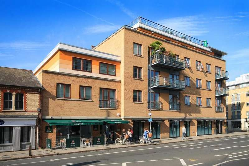 2 Bedrooms Penthouse Flat for sale in Hills Road, Cambridge