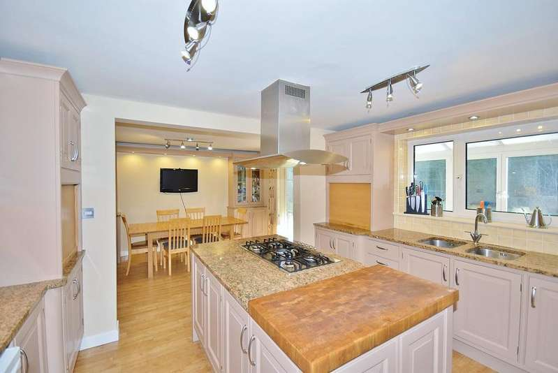 5 Bedrooms Detached House for sale in Edge Hill, Darras Hall, Ponteland, Newcastle upon Tyne, NE20