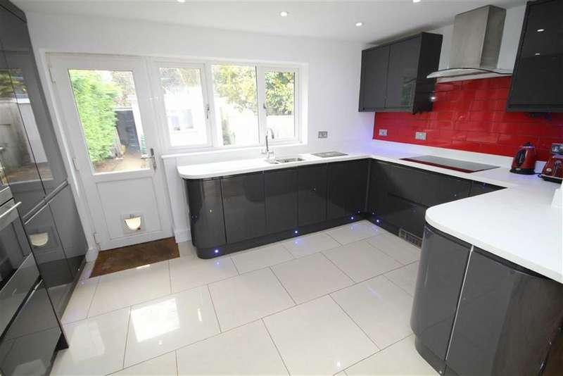 3 Bedrooms Terraced House for sale in Shrivenham Road, Swindon