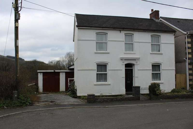 4 Bedrooms Detached House for sale in Brynlloi Road, Glanamman, Ammanford