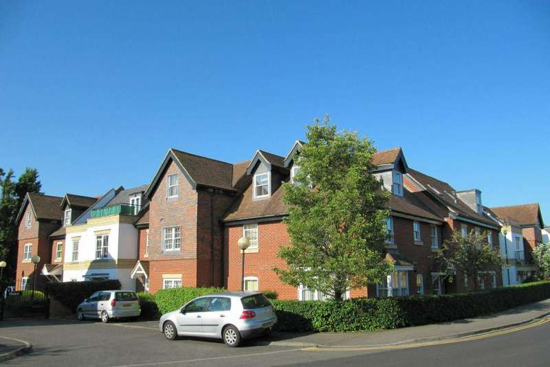 2 Bedrooms Apartment Flat for sale in Penn House, Jennery Lane, Burnham, SL1 8BN - UNEXPECTEDLY RE-AVAILABLE