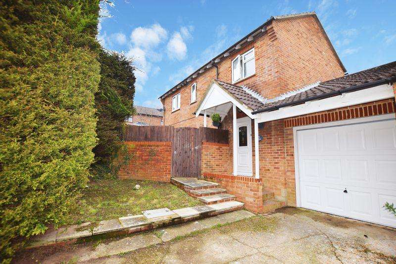 4 Bedrooms Detached House for sale in The Potteries, Ridgewood