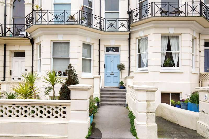 3 Bedrooms Flat for sale in Cambridge Road, Hove, East Sussex, BN3