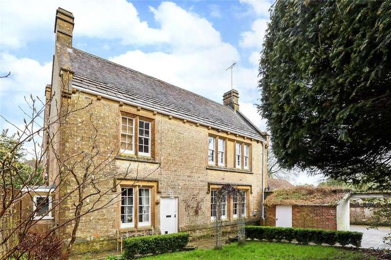 4 Bedrooms Link Detached House for sale in Middle Street, Misterton, Crewkerne, Somerset, TA18