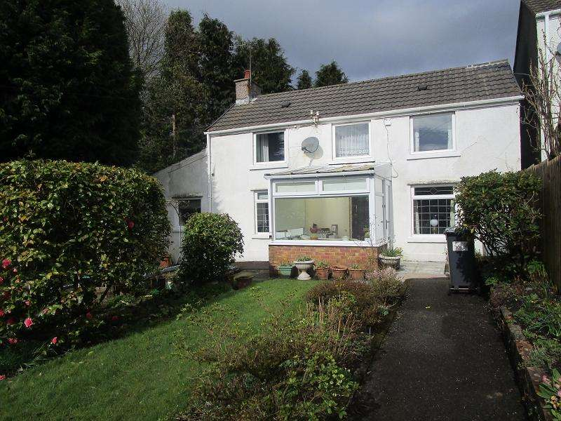 2 Bedrooms Detached House for sale in Brecon Road, Ystradgynlais, Swansea.