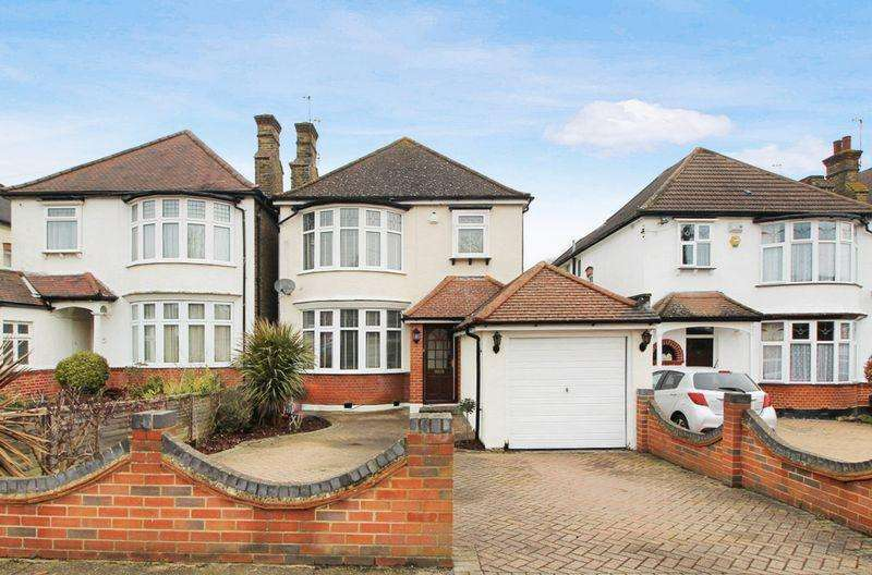 4 Bedrooms Detached House for sale in Birchwood Avenue, Sidcup DA14 4JZ