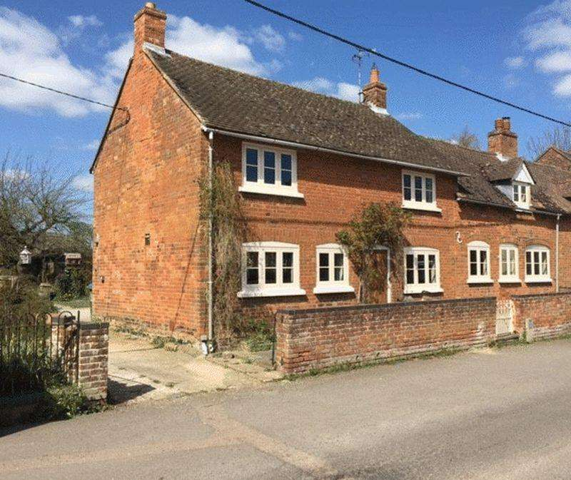 4 Bedrooms Semi Detached House for sale in Cublington