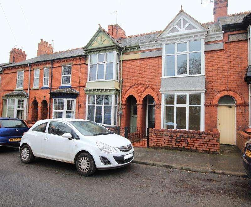 3 Bedrooms Terraced House for sale in Lloyd Street, Oswestry