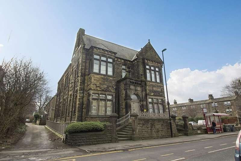 1 Bedroom Apartment Flat for sale in Park View, Bramley, Leeds, West Yorkshire, LS13 3JX