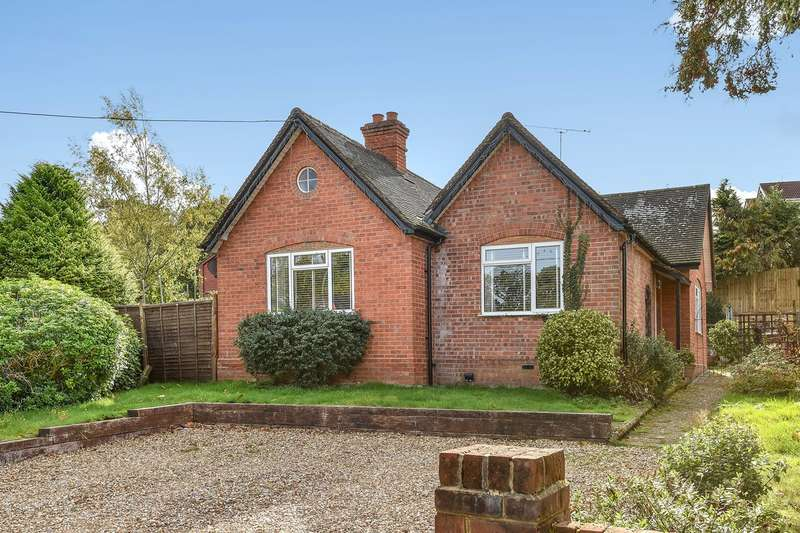3 Bedrooms Detached Bungalow for sale in Longdown Road, Sandhurst, GU47