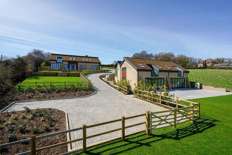 5 Bedrooms Village House for sale in Dazzleberry House, The Sedums, Common Road, Kensworth