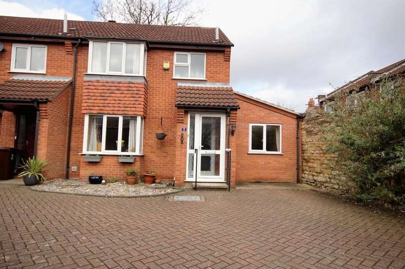 4 Bedrooms Semi Detached House for sale in Cecil Mews, Lincoln