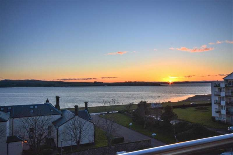 3 Bedrooms Duplex Flat for sale in 75 Castlebay Court, Largs, KA30 8DP